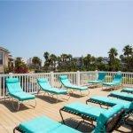 Palms Cove View Pool Deck